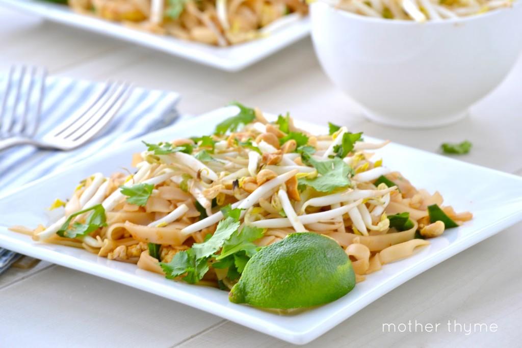 Vegetable Pad Thai | www.motherthyme.com