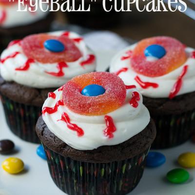 "Spooktacular ""Eyeball"" Cupcakes"