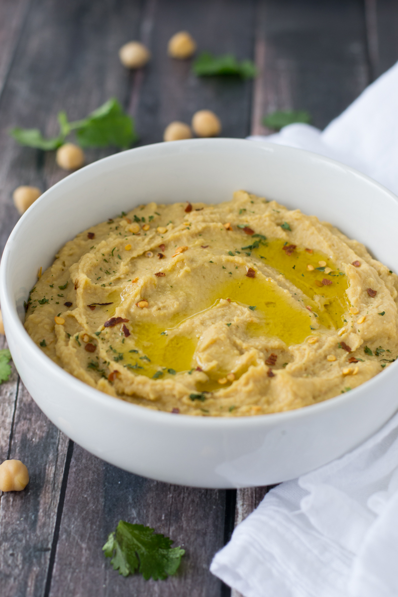 An easy and delicious recipe for creamy Mediterranean Hummus made - no tahini required!   www.motherthyme.com