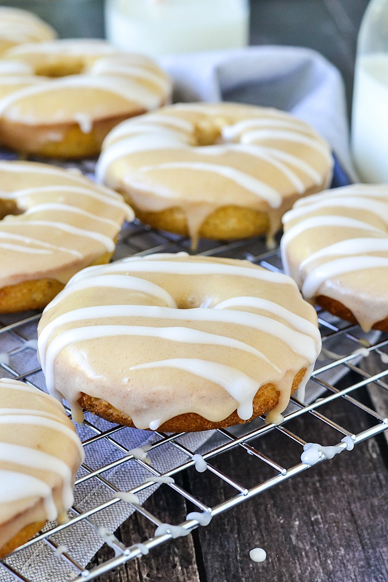 Baked Apple Cider Donuts | www.motherthyme.com