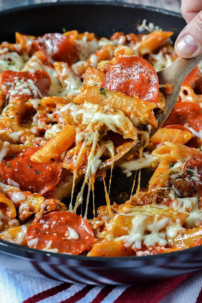 how to make cheesy pizza